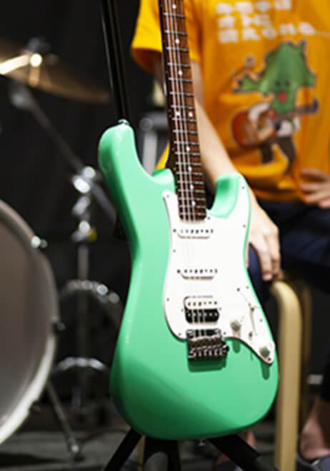 参加者のギター1