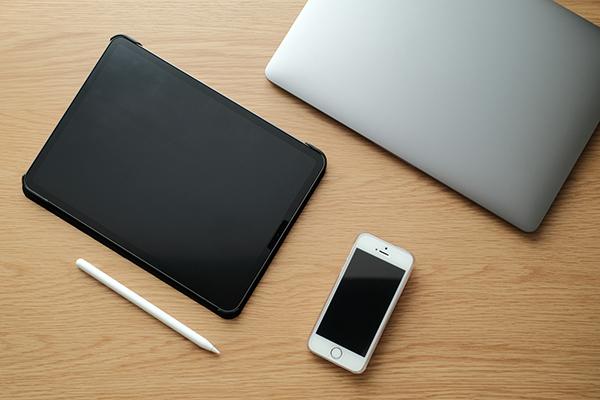 パソコンもしくはスマートフォンやタブレット